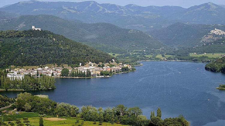 Lago-di-Piediluco.jpg
