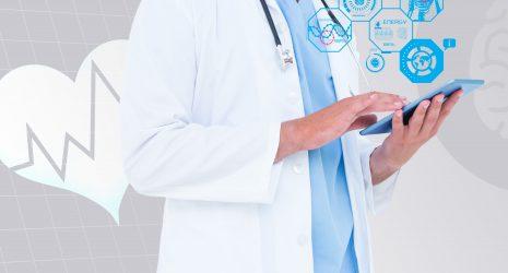 https://digitalmeet.it/wp-content/uploads/2020/10/doctor-reviewing-a-tablet-465x250.jpg